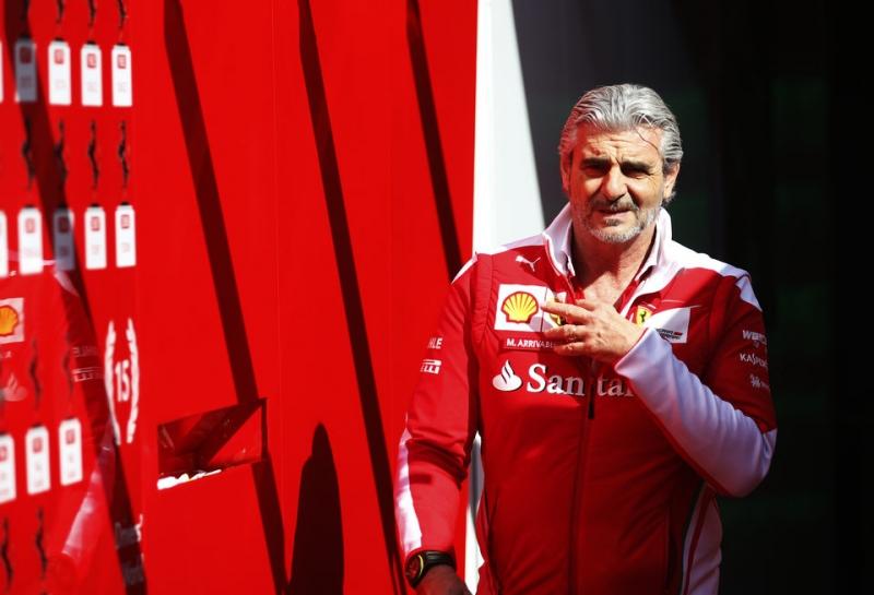 Ferrari: Скорость важнее надежности в погоне за Mercedes