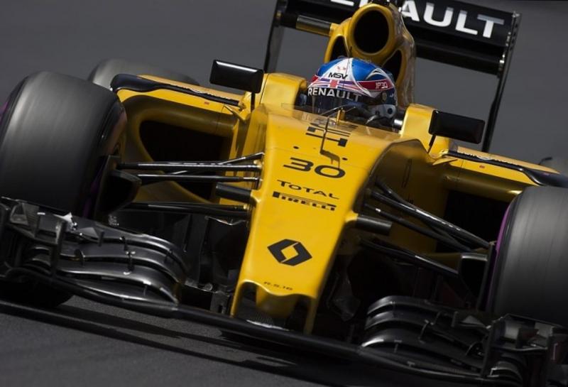 Ален Прост: Скоро Renault придется принимать сложное решение о сезоне-2017