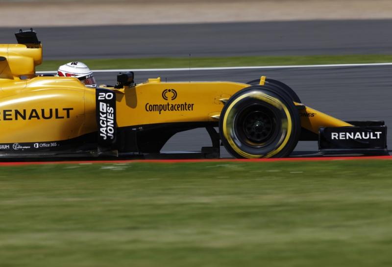 Renault: Немного дождя нам не помешает