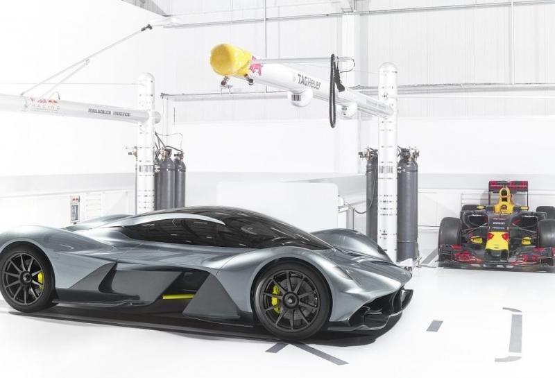 Aston Martin и Эдриан Ньюи представили свой первый автомобиль