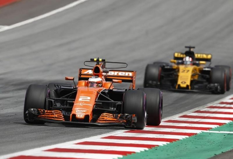 Renault не возьмет McLaren четвертой командой-клиентом