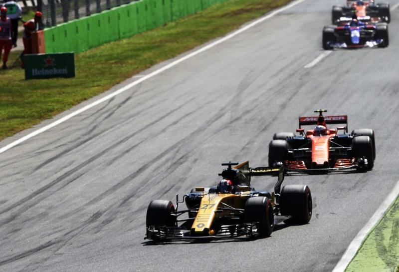 Эрик Булье: McLaren скажет свое слово в дизайне двигателя Renault