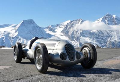 Фото: Как бы выглядели легендарные гоночные машины с «ореолом»