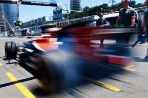 Гэри Андерсон о возможном переходе McLaren на моторы Mercedes