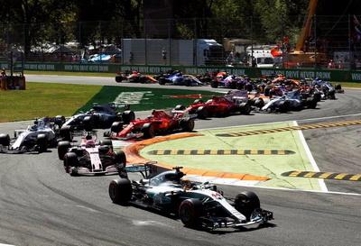 «Формула 1 превращается в посмешище». Роджер Бенуа критикует систему штрафов