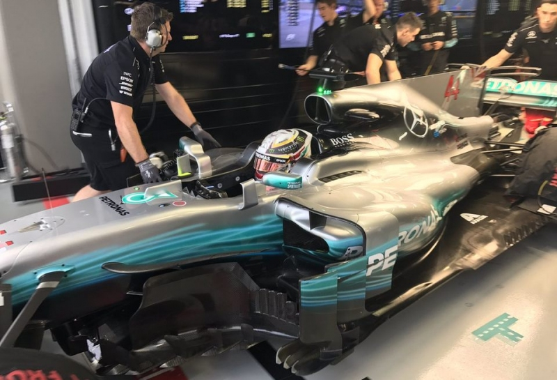 Льюис Хэмилтон: Я не понимаю, откуда взялась скорость у Ferrari