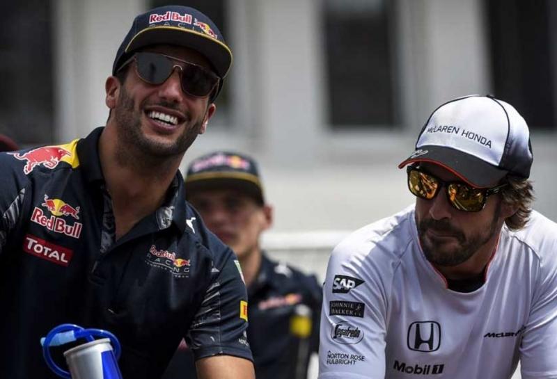 Даниэль Риккардо: McLaren станет сильнее с двигателем Renault