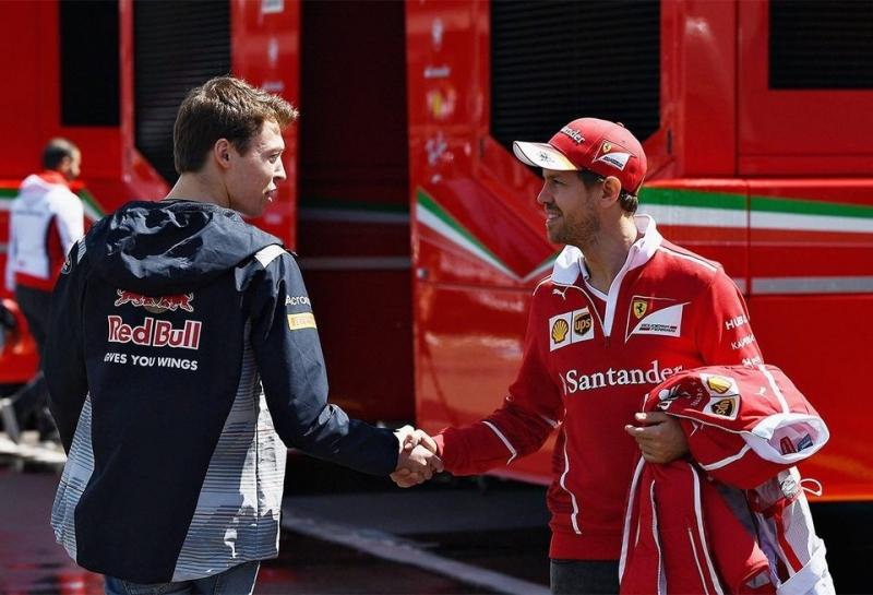 Официально: Даниил Квят подписал контракт с Ferrari
