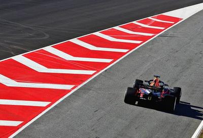 Хельмут Марко: Шасси Red Bull Racing лучше, чем у Mercedes, но…