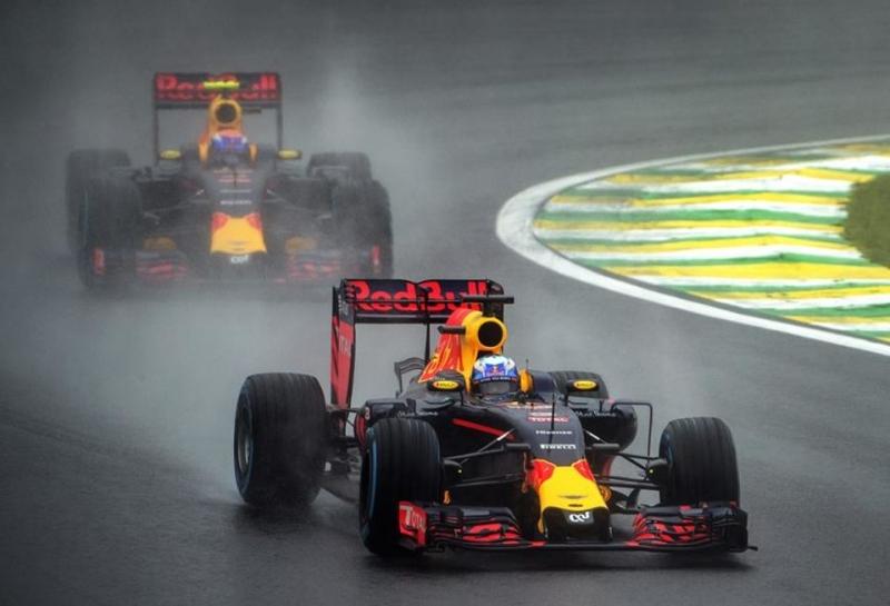 Гонщики Red Bull Racing рассчитывают на дождь в Интерлагосе
