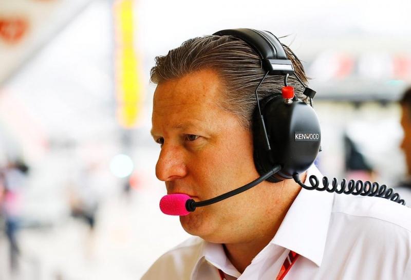 Зак Браун: Если бы не сделка с Renault, Фернандо Алонсо покинул бы McLaren