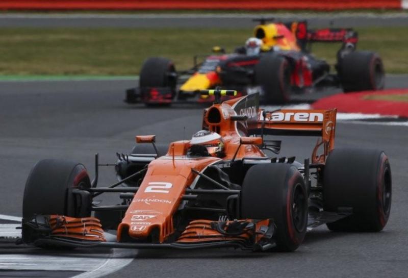 Даниэль Риккардо: Сражение с McLaren в 2018 году будет интересным