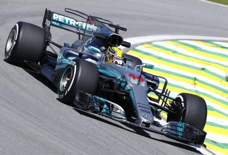 Льюис Хэмилтон: Mercedes находится в выгодном положении