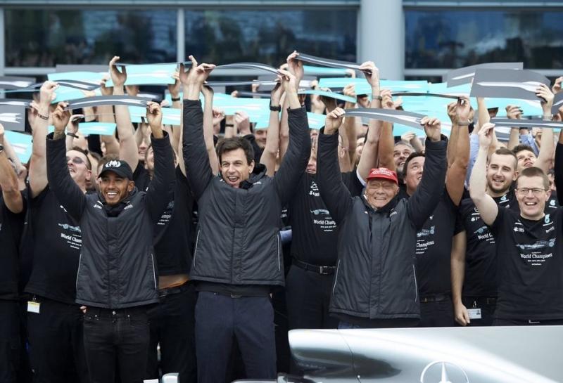 Ники Лауда: В 2018-м Mercedes будет еще сложнее