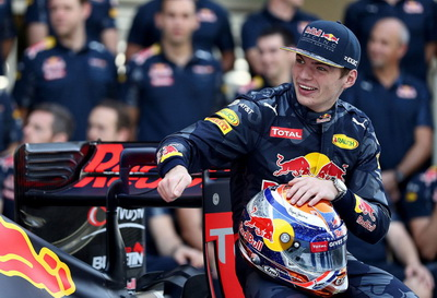 Хельмут Марко: Визит на базу Honda убедил Ферстаппена в правильности продления контракта