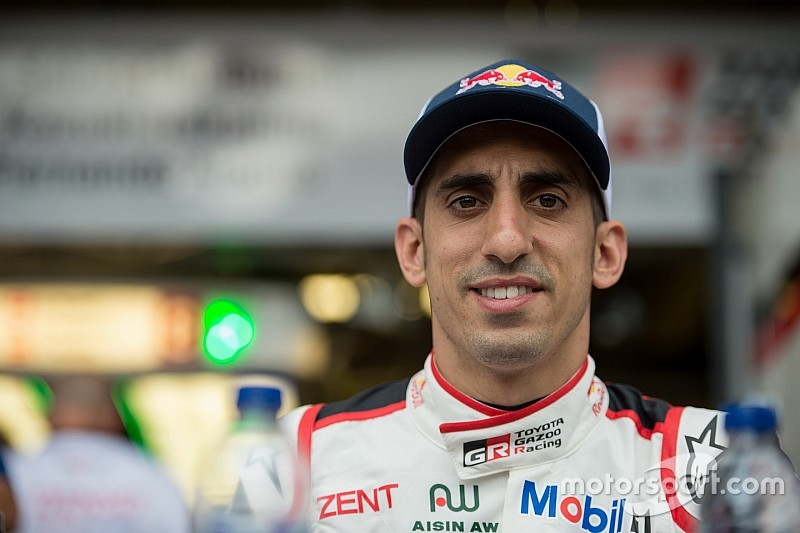 Буемі пройшов примірку сидіння в Toro Rosso
