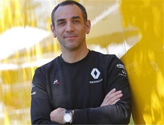 Шеф Renault: Алонсо - це акула, яка відчула кров