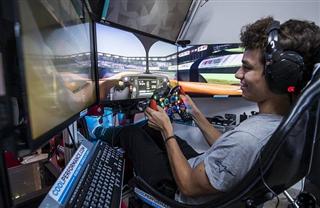 Норріс: Віртуальні гонки для мене важчі за справжні