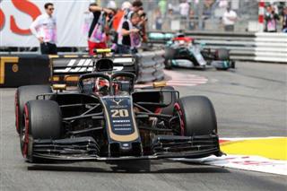 Офіційно. Магнуссен втратив дві позиції у протоколі гонки в Монако