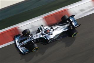 Хемілтон виграв останню гонку сезону, за ним - Ферстаппен та Леклер