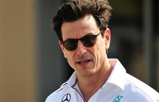 Вольфф: Mercedes навіть подобається наздоганяти Red Bull