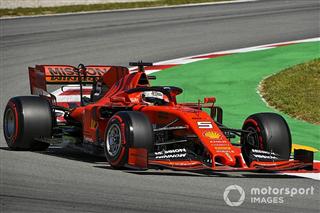 Феттель назвав «справедливим» відставання Ferrari від Mercedes в Іспанії