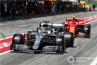 Хемілтон обговорював з Mercedes перехід у Ferrari