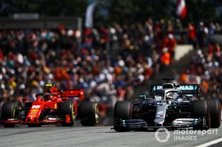 Боттаса дивує постійна перевага Ferrari на прямих