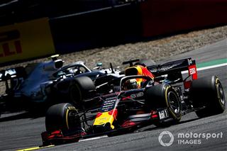 У Red Bull і Honda здивувалися, що виграли гонку раніше за Ferrari