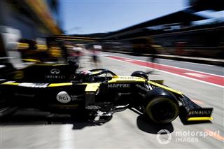 Помилка з налаштуваннями призвела до спаду Renault в Австрії — Ріккардо