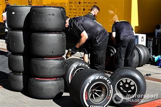 FIA контролюватиме тиск у шинах Ф1 за допомогою стандартних моніторів