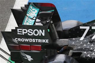 Mercedes зробила гнучке крило в обхід правил. Її піймали завдяки ТВ