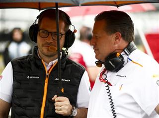 Шеф McLaren назвав фаворитів після зміни регламенту