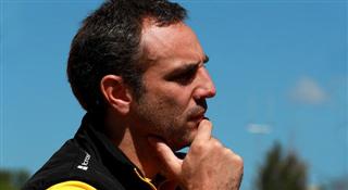 Шеф Renault сказав, коли команда почне перемагати