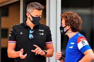 Директор Renault: Алонсо змусив замовкнути своїх критиків
