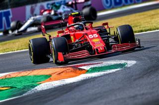 Сайнс: Я досі не звик до боліда Ferrari