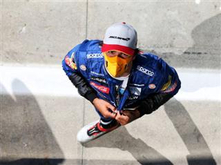 Сайнс: Навіть Mercedes розуміє, що без них гонки цікавіші