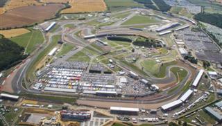 У Великобританії заборонили всі перегони до 1 липня