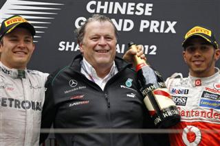 Колишній шеф Mercedes: Хемілтон та Шумахер змагалися б на рівних
