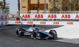 Формула Е. Нік де Вріс виграв першу гонку сезону