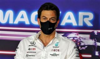 Вольфф: Red Bull та Mercedes майже нічого не розділяє