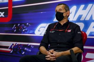 Штайнер: Haas майже повністю готує болід на 2022 рік