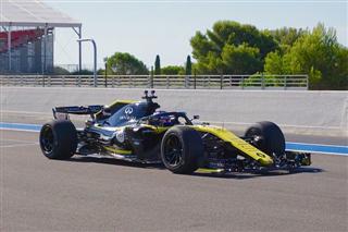 Офіційно. Pirelli відкладає введення 18-дюймових шин