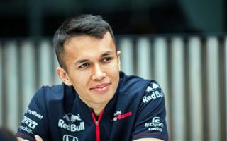 Албон: Расселл може поборотися з Гамілтоном у Mercedes