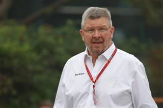 Браун: Ferrari не виграє титул з такими аваріями своїх пілотів