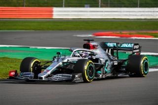 Директор Mercedes - про деталі нового боліда