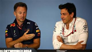 Хорнер: Mercedes залишається фаворитом сезону
