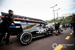 Боліди Haas отримали чорні прапори в практиці Гран Прі Монако