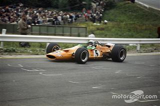 День в історії: чудернацька перша перемога McLaren