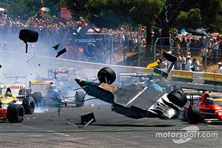 День в історії: видовищне сальто Гужелміна на старті Гран Прі Франції '89
